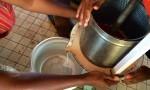 Presse pour obtenir le lait de coco
